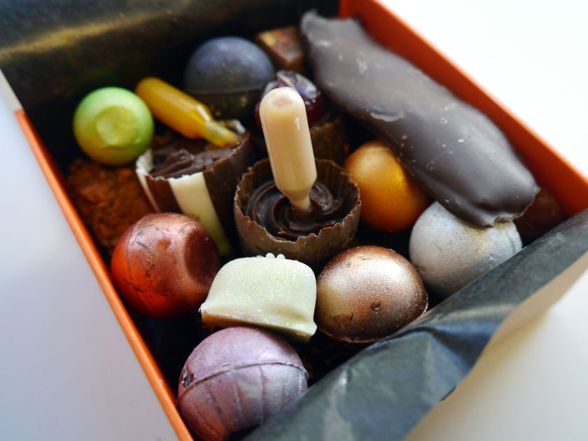 dark sugars chocolates box